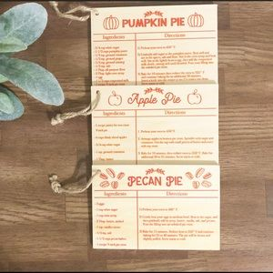 ❌SOLD❌ TARGET   Set Of 3 Wooden Pie Recipe Cards